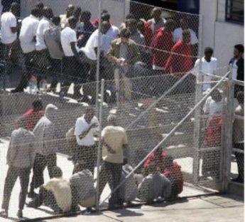Oficina de extranjer a en la prisi n para agilizar expulsiones for Oficina de extranjeria aluche