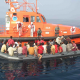 Teléfono de ayuda para inmigrantes que cruzan el estrecho