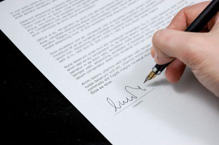 Cómo aportar documentos al expediente de nacionalidad