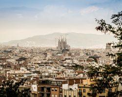 """Barcelona expedirá una """"Tarjeta de Vecindad"""" para inmigrantes irregulares"""