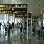Control de entrada en el aeropuerto. Viajes de turismo
