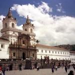 Documentos necesarios para solicitar un visado de reagrupación familiar comunitaria en Quito