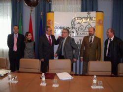 Subdelegación del Gobierno en Jaén y Colegio de Gestores firman un convenio para agilizar los trámites de extranjería