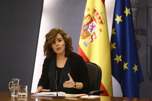 Saénz de Santamaría anuncia a la nueva secretaria de inmigración y emigración