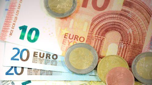Cobrar el pago acumulado y anticipado del paro para regresar al país de origen
