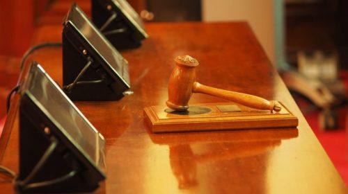 ¿Puedo obtener una autorización de residencia con antecedentes penales?