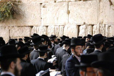 ocho judíos sefardíes obtienen nacionalidad española