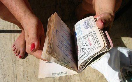 Expertos proponen un pasaporte de seguridad para refugiados