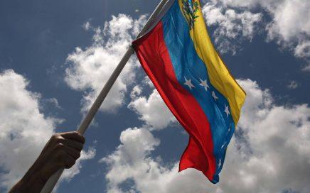 ¿Qué se necesita para viajar a España desde Venezuela?