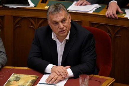 Hungría aprueba una Ley que castiga con un año de cárcel a quienes ayuden a inmigrantes ilegal