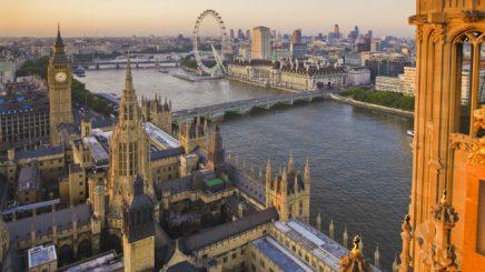 Reino Unido comienza a registrar a los primeros comunitarios que quieran permanecer tras el Brexi
