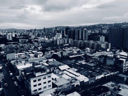 España se ha convertido en una vía de escape para los venezolanos con recursos.