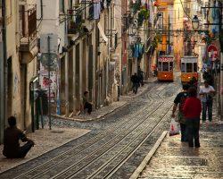 Portugal aprueba un proyecto de ley para legalizar a extranjeros ilegales