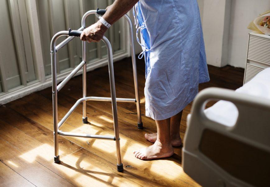 empleado hogar anciano